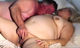 chubby-amateur-wife-gets-her-snatch-eaten-out-and-fucked