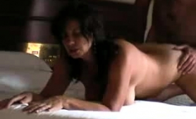 this-sex-starved-mature-slut-could-really-use-a-hard-banging
