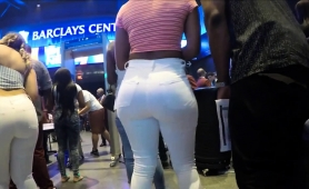 voyeur-follows-a-sexy-amateur-babe-with-a-big-round-booty