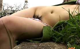 sensual-asian-babes-expose-their-sexy-bodies-in-the-outdoors